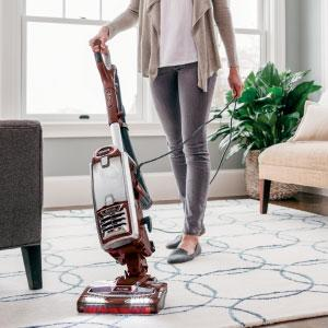 Best retractable cord: Shark DuoClean NV803 Upright Vacuum