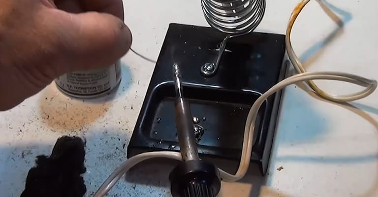 A-Step-by-Step-Guide-How-to-Tin-a-Soldering-Iron