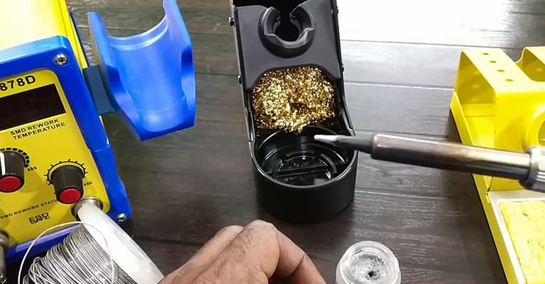How-to-Clean-Soldering-Iron-List-of-Paradigms