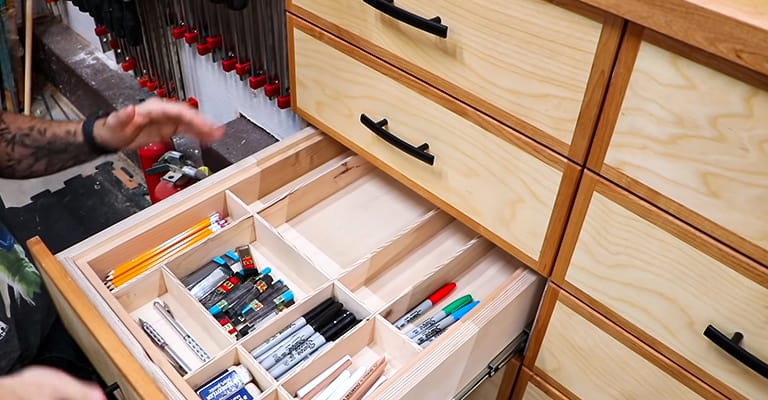 Multi-layer-Wooden-Cabinets
