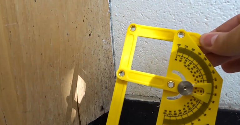 Using-Protractor-Angle-Finder-to-Measure-Corner
