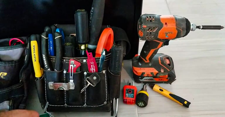 Must-Have-Tools-for-Electricians